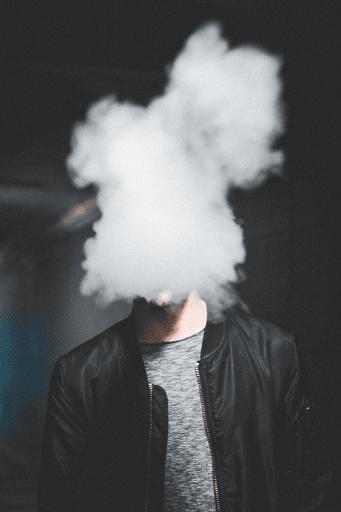 la cigarette et l'argent qui part en fumée