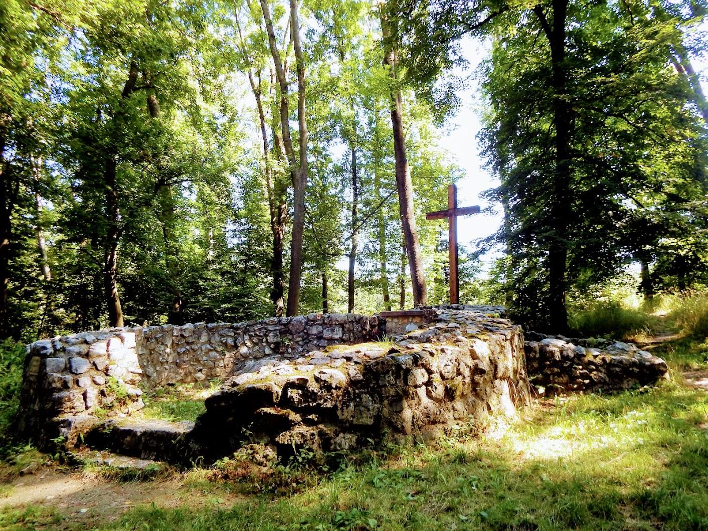Baj - Kovácsi Szent Péter templomrom (Öreg-Kovács-hegy)