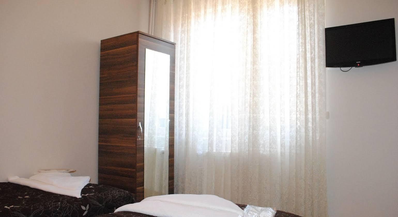 Hotel Buhara Family Inn