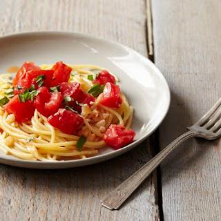 Michael Ruhlman'S Pasta with Tomato Water, Basil, and Garlic Recipe