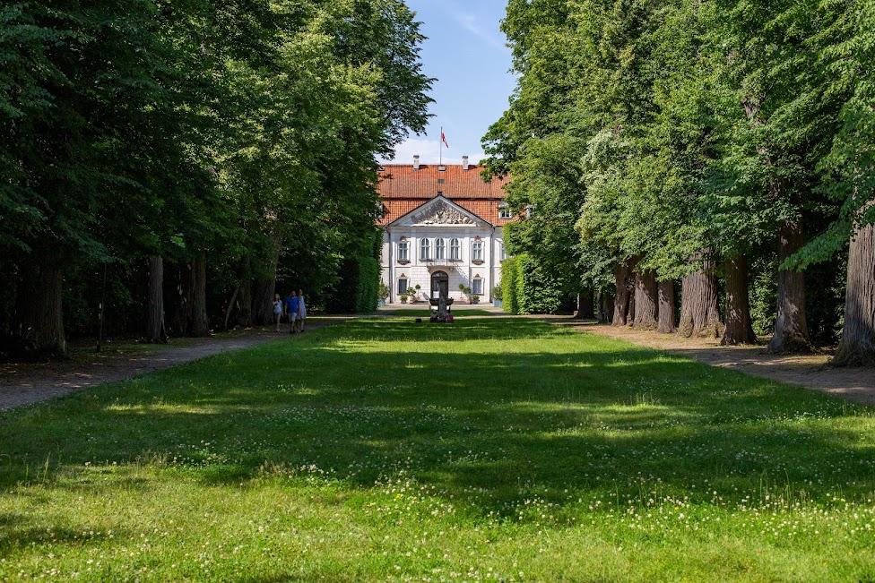 Pałac i Ogrody w Nieborowie, Nieborów, Aleja Lipowa