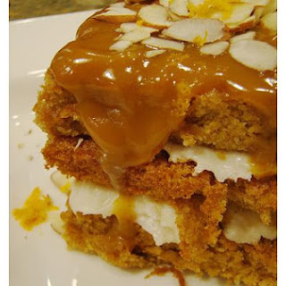 Raw Apple Cake With Caramel Sauce