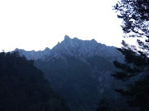 奥にジャンダルム(中央)と奥穂高岳(左)