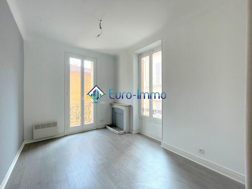 Location  appartement 3 pièces 47 m² à Beausoleil (06240), 1 050 €