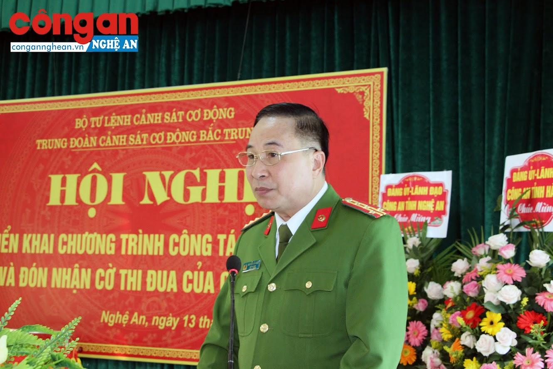 Đại tá Nguyễn Văn Diện, Phó Tư lệnh cảnh sát Cơ động phát biểu tại buổi lễ