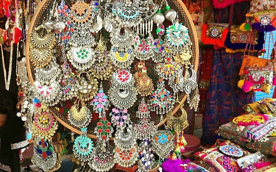 accessories-sarojini-nagar-market-delhi-guide_image
