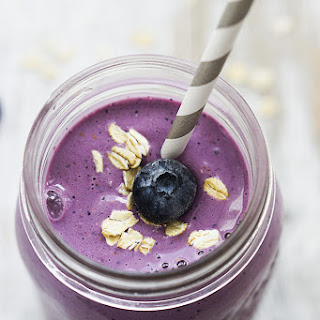 Berry Oat Breakfast Smoothie