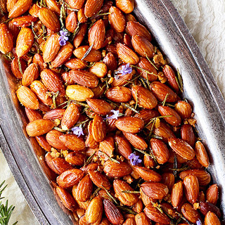 Rosemary and Garlic Roasted Almonds [Vegan].
