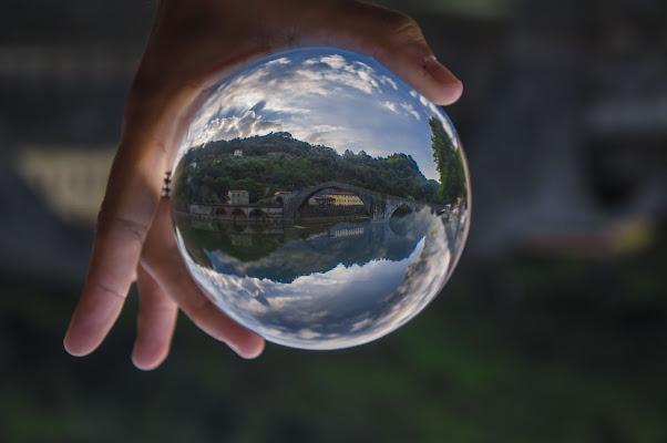 A bridge in a cristal ball di Matteo Luppichini