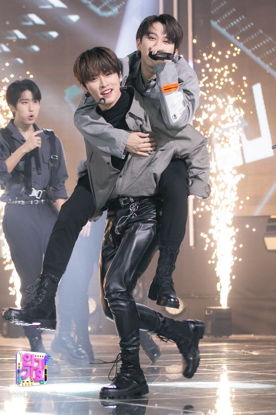 stray kids lee know changbin