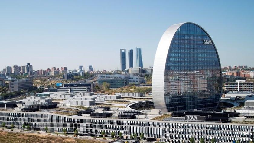 Edificio que alberga la sede central del BBVA en Madrid