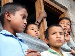 Photo: Die Kinder haben Ihre neue Schule schon in Besitz genommen.