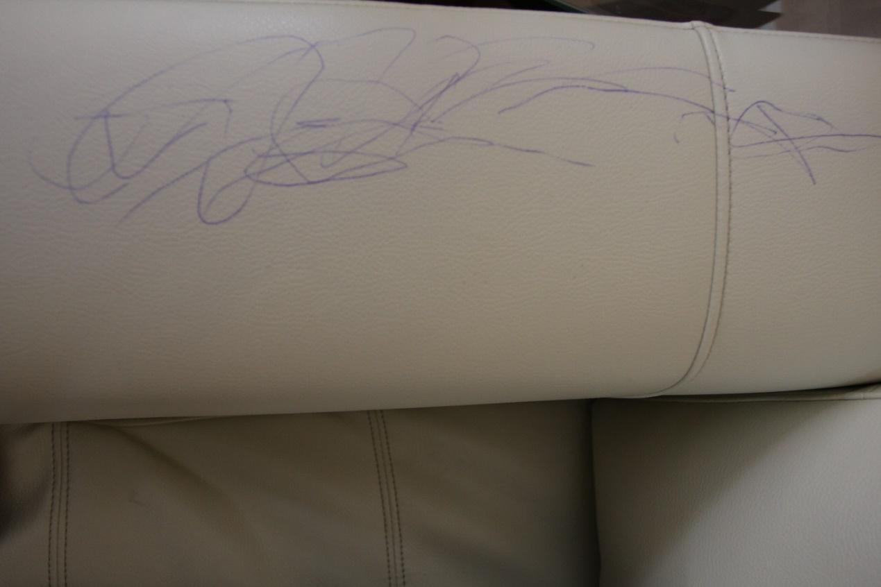 Kết quả hình ảnh cho làm sạch vết mực dính lên ghế sofa
