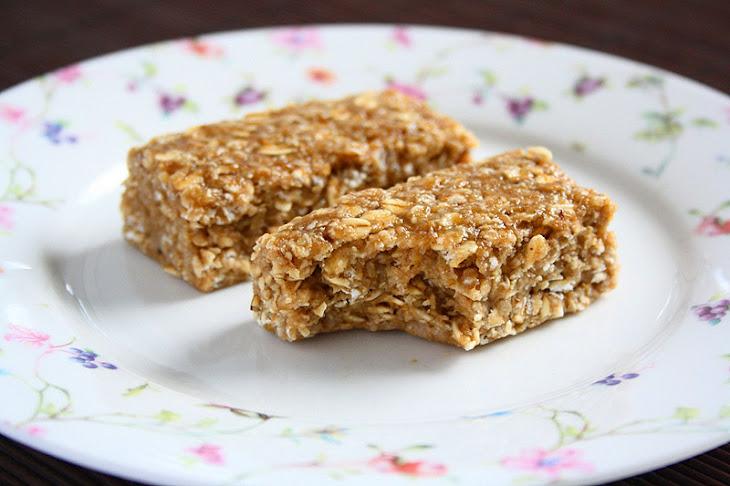 Sticky Banana Peanut Butter Oatmeal Bars Recipe