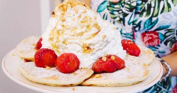 Eggs'nThings (台北微風松高店)來自夏威夷的15公分鮮奶油火山鬆餅。信義區咖啡廳