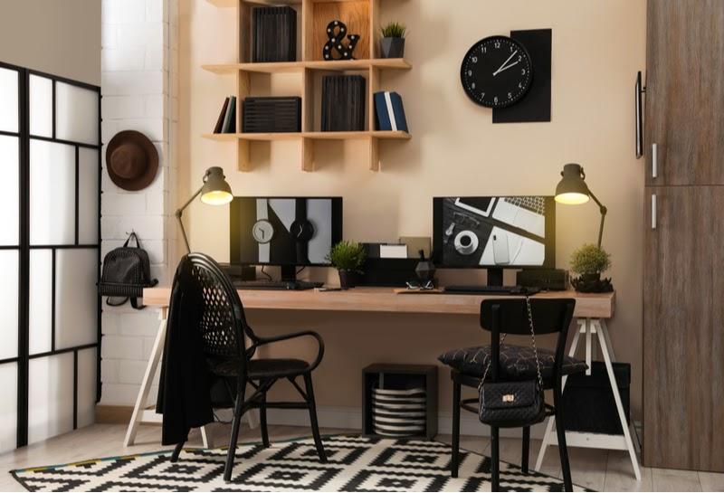 Wybór odpowiednich mebli i dekoracji odgrywa zasadniczą rolę w stworzeniu odpowiedniego nastroju