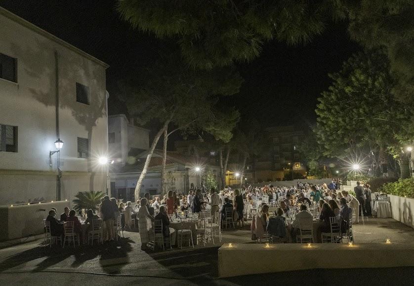 Panorámica del homenaje a don Ramón Garrido. Foto de Andy Arche.