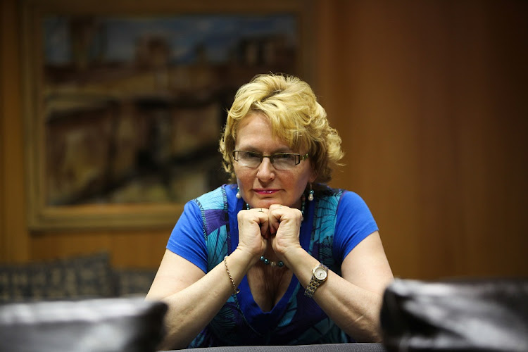 Human Rights Commission 'halted probe' into Zille tweet.