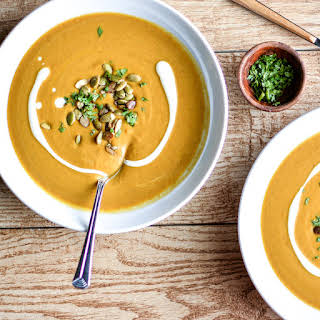 Slow Cooker Spicy and Creamy Pumpkin Soup.