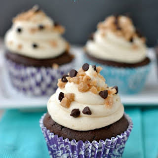 Chocolate Cupcakes {Caramel Toffee Frosting}.