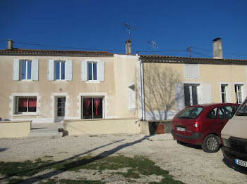 maison à Saint-Séverin-sur-Boutonne (17)