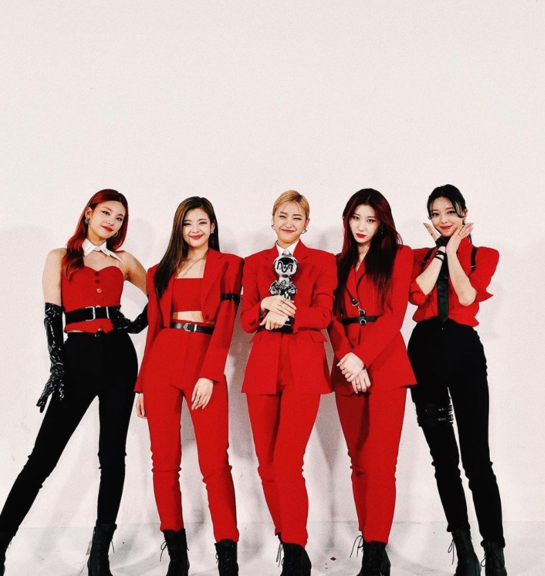 itzy red