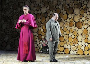 Photo: Wien/ Theater in der Josefstadt: AUSGELÖSCHT von Thomas Bernhard. Premiere: 25.2.2016. Inszenierung: Oliver Reese.  Christian Nickel, Udo Samel. Copyright: Barbara Zeininger