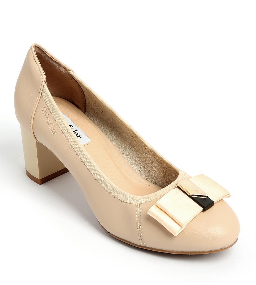 Mẫu giày cao gót hợp đi học