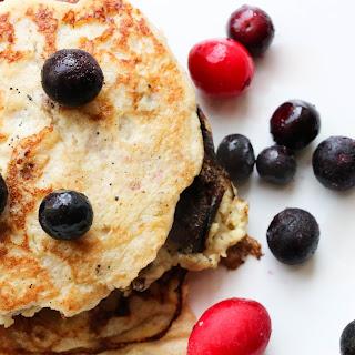 3-ingredient Banana Pancakes (Grain-free).