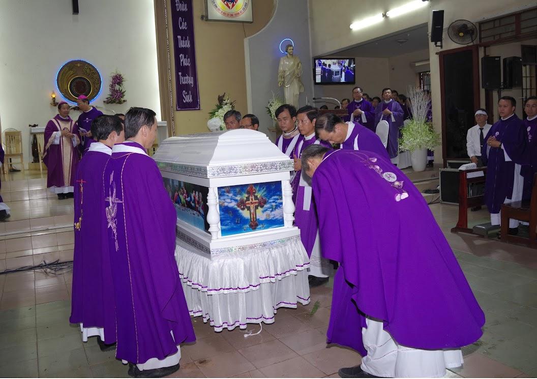 Thánh lễ an táng Cha Giuse Trần Ngọc Tâm - Chánh xứ Xuân Đức - Ảnh minh hoạ 34