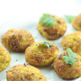 No-Fry Cabbage & Squash Muthiya / Fritters.