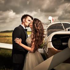 Wedding photographer Adam Szczepaniak (joannaplusadam). Photo of 19.08.2017