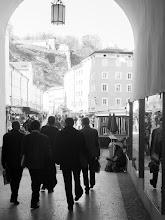 "Photo: Rang 2. Rang am IRIS-Fotowettbewerb: Johann Wagner ""IRIS-Teilnehmer auf dem Weg zum Mittagessen"""