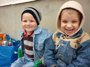 Photo: A május elsejei kirándulást általában a gyermekek élvezik legjobban. Istennek hála, mindannyian az Ő gyermekei vagyunk. Rajtuk ez jobban látszik.