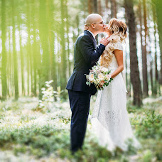 Wedding photographer Vitaliy Fedosov (VITALYF). Photo of 21.08.2017