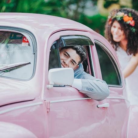 Wedding photographer Alexandre Peoli (findaclick). Photo of 21.12.2017