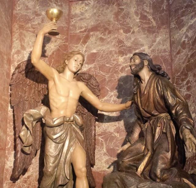 Imágenes de la Oración en el Huerto en la iglesia de los Franciscanos.