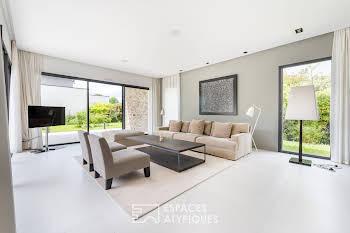 Maison 6 pièces 311 m2