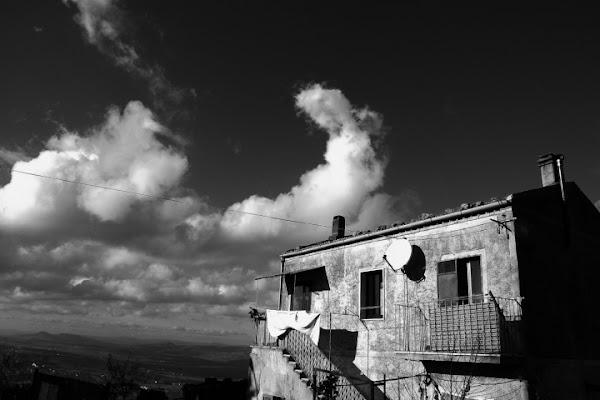 Tra noi e il cielo... di Dario Pace