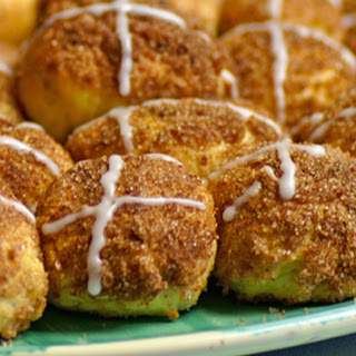 Pull-apart Easter buns