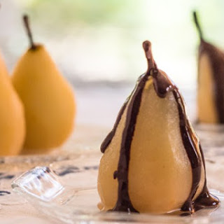 Cinnamon Poached Pears with Chocolate Sauce Recipe