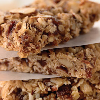 Granola Bars with Raspberry Jammy Bits