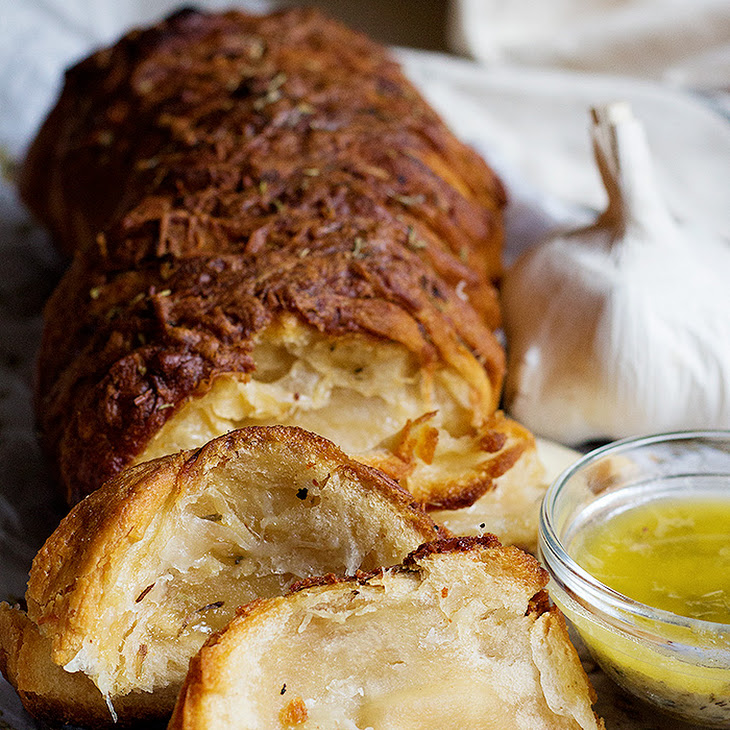 Garlic Cheese Pull Apart Bread Recipe