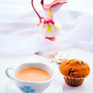 LIPTON TEA AND BLUEBERRY MUFFIN.