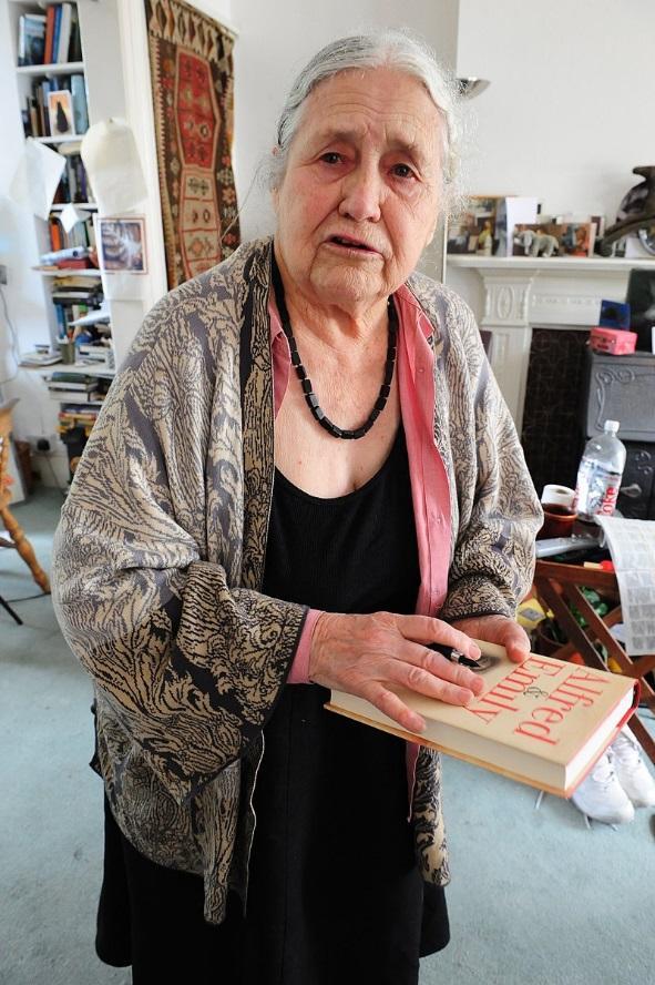 Dorisa Lesinga.JPG