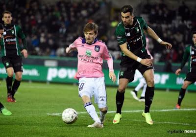 Anderlecht assure l'essentiel au Cercle (0-2) et revient à quatre points du Club