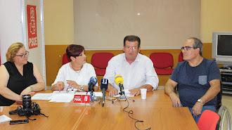 Comparecencia de los concejales del PSOE en la sede del grupo socialista ejidense.