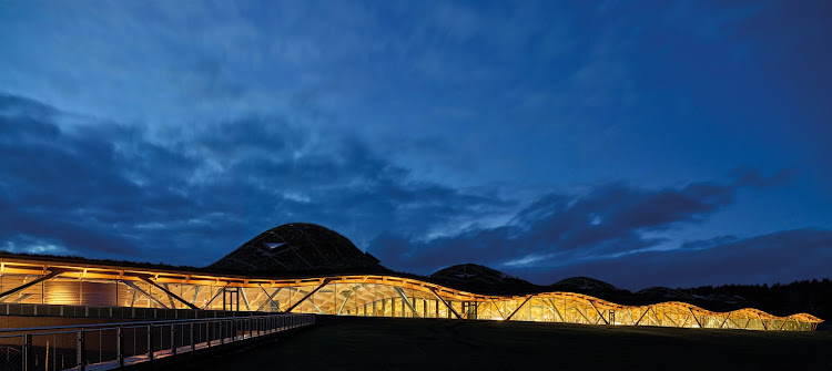 The Macallan roof is a masterpiece: comprising 1,800 single beams, 2,500 different roof elements, and 380,000 individual components