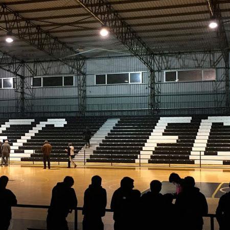 Ferro Carril inauguró tribunas retráctiles en el Polideportivo