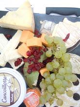 Photo: plateau de fromages , prêt à découper